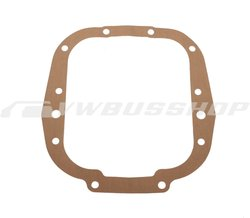 Gasket between gearbox and transmission bell housing